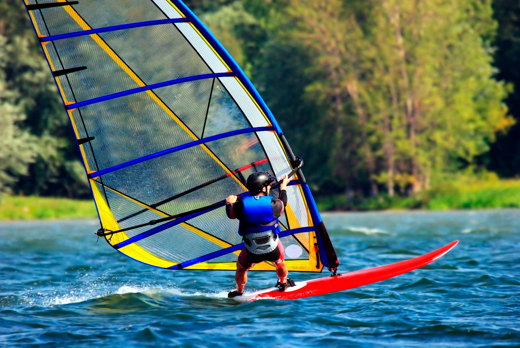 Springwater Hill - Columbia Lake activities - Windsurfing