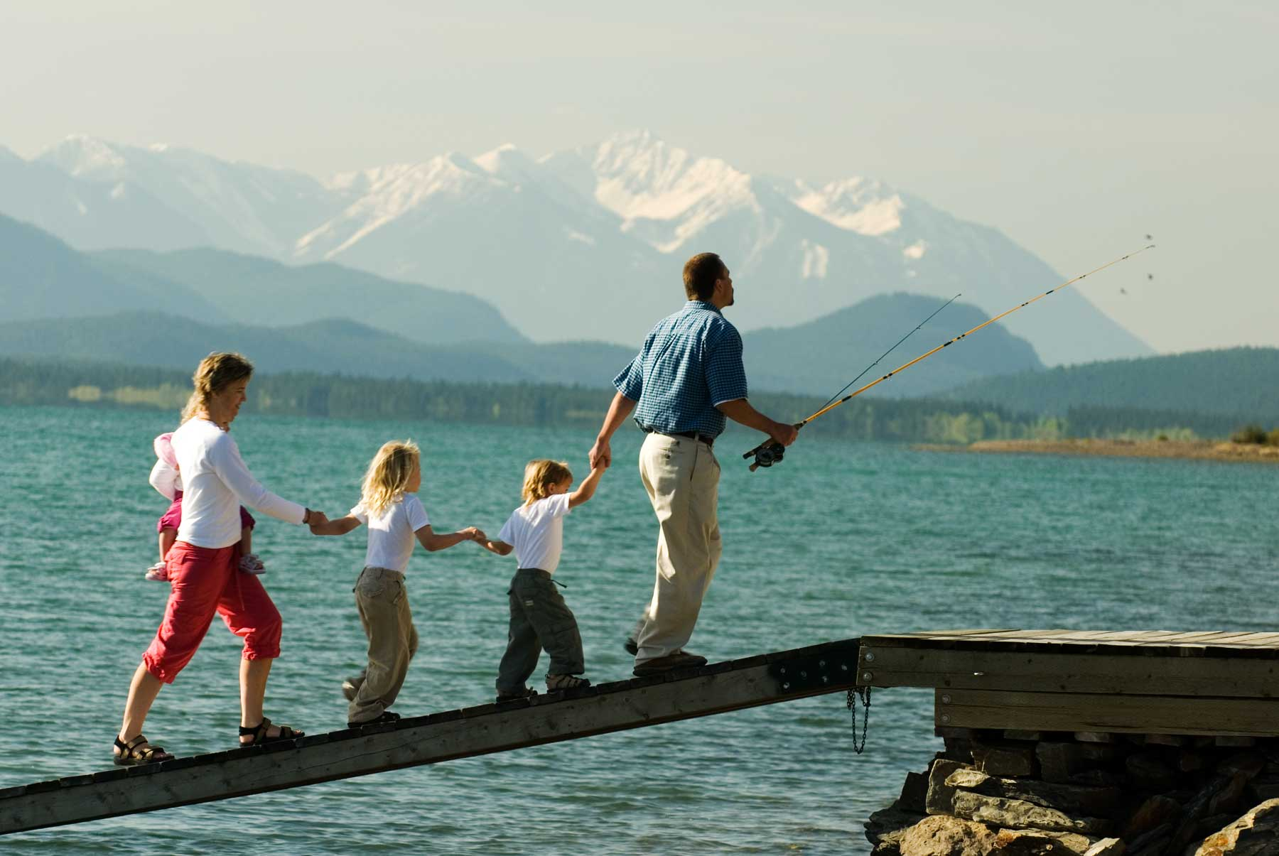 Lake Community Living - Life on the water at Columbia Lake